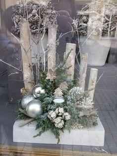 Leuk de houten boomtakken als achtergrond/kerststuk op beton