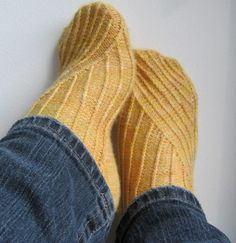 Lemon Twist by sarcygurl, via Flickr.  Twisted knitted sock pattern
