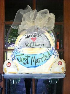 Just Married Door Hanger - Bronwyn Hanahan Art Burlap Projects, Burlap Crafts, Wood Crafts, Diy Crafts, Halloween Door Hangers, Painting Burlap, Burlap Door Hangers, Wedding Crafts, Wedding Burlap