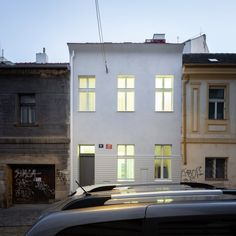 archiweb.cz - RK 17 Townhouse, Studios, Mansions, House Styles, Buildings, Home Decor, Decoration Home, Terraced House, Manor Houses