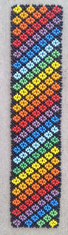 Multicolor African Beads Necklace, Beaded Necklace, Beaded Earrings Patterns, Beading Patterns, Bead Loom Bracelets, Beaded Ornaments, Jewelry Making Tutorials, Beaded Flowers, Bead Art