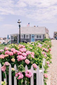 A Week on Nantucket // Gal Meets Glam Nantucket Cottage, Nantucket Style, Nantucket Island, Nantucket Beach, Nantucket Decor, Coastal Style, Coastal Living, Cottage Garden Plan, Cottage Garden Design