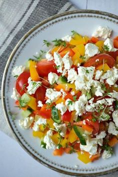 Delicious Paprika Salad - Quick and tasty recipes that make you happy -. - Delicious Meets Healthy: Quick and Healthy Wholesome Recipes Salad Recipes, Diet Recipes, Vegetarian Recipes, Healthy Recipes, Delicious Recipes, Kitchen Recipes, Healthy Meals, Healthy Food, Quick Recipes