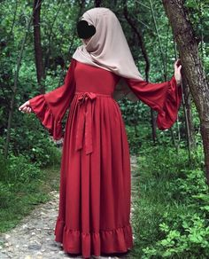 faaaatmanur_ Source by , Islamic Fashion, Muslim Fashion, Abaya Fashion, Fashion Outfits, Hijab Style Dress, Hijab Fashionista, Sleeves Designs For Dresses, Latest African Fashion Dresses, Formal Evening Dresses