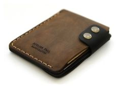 Slim Vertical Wallet in Brown Duotone Leather Gifts, Leather Craft, Leather Wallet, Leather Bag, Best Wallet, Slim Wallet, Minimal Wallet, Leather Projects, Small Leather Goods