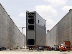 A extensão do Canal do Panamá foi finalizada em junho de 2016, depois da sua inauguração há nada menos que 102 anos atrás. Este grande feito da engenharia custou cerca de 5,4 bilhões de dólares – o equivalente a 17 bilhões de reais –, e contou com 40 mil trabalhadores para triplicar a sua capacidade.