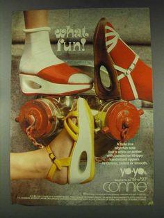90s Shoes, Shoes Ads, Sock Shoes, Women's Shoes, Fashion Cover, 70s Fashion, Vintage Fashion, Vintage Advertisements, Vintage Ads