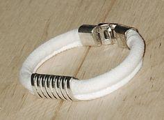 Biała jeansówka z klamrą White jeans bracelet with a buckle White Jeans, Bracelets, Cotton, Jewelry, Jewlery, Jewerly, Schmuck, Jewels, Jewelery