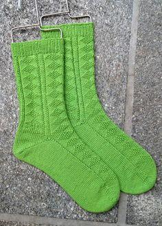 Ravelry: Project Gallery for Diamond Gansey Socks/Guernsey Rautenmuster pattern by Wendy D.