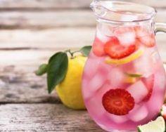 Eau fruitée brûle-graisse fraise et citron : http://www.fourchette-et-bikini.fr/recettes/recettes-minceur/eau-fruitee-brule-graisse-fraise-et-citron.html