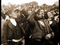 Fatima Portugal waiting for the miracle to happen-My dad was a young kid… Catholic Saints, Roman Catholic, History Channel, Powerful Pictures, Portuguese Culture, Lady Of Fatima, Holy Mary, Blessed Virgin Mary, Blessed Mother