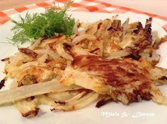 ...Finocchi saporiti al forno... INGREDIENTI: (per 2-3 persone) 2 finocchi 2-3 cucchiai farina di semola rimacinata 3 cucchiai parmigiano grattugiato olio
