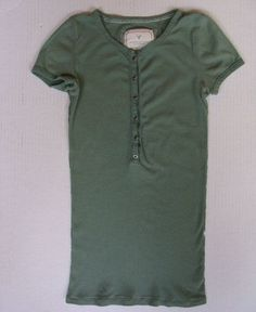 American Eagle Green Henley Fitted Stretch Womens Size S Small 4 6 Top Shirt AE #AmericanEagleOutfitters #Henley #LayeringTrendyLongTop