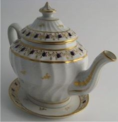 A charming New Hall teapot and stand, c1795-1800. Can't you just see this as belonging to Fiona?