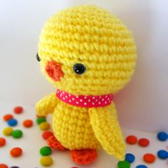 Baby Chick Amigurumi Crochet Pattern (sweater-- on body use sweater color on rows 7-11) @Chelsea Jellison
