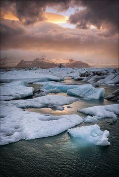 Jökulsarlon - glacial lagoon, Iceland