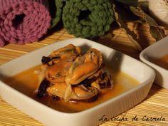 Mejillones en escabeche picante http://lacocinadecarmela.blogspot.com.es/2014/02/aperitivos-y-salsa-mejillones-en.html