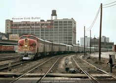 ATSF #43 (EMD F7A) leads Train #16, the Texas Chief, into Chicago on March 23, 1969. Photo by David Leaonard.