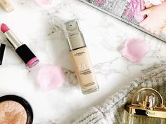 Today Im off for a bit of retail therapy shopping and Im absolutely loving this true match foundation I bought last week! Concealer, Mac Highlighter, True Match Foundation, Flat Lay Photography, Retail Therapy, Loreal, Lifestyle Blog, Perfume Bottles, Beauty Essentials