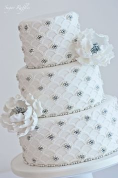 Wedding cake by Sugar Ruffles   Tufted ~ Quilted   Pinterest)