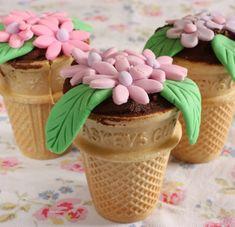 Flower Pot Cupcakes Recipe | BakingMad.com