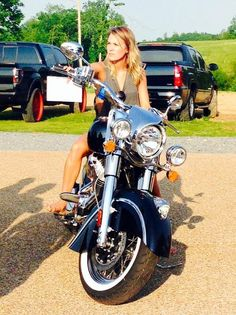 Carrie Underwood, Biker Babe! Singer Shows Off Sexy Bad-Girl Look