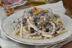 Le TROFIE SALSICCIA e NOCI sono un primo piatto di pasta cremosa e saporita che potrete fare come piatto della domenica perche' ci sta' benissimo ma anche per tutti i giorni