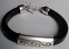 Dames #armband leer bruin. Handgemaakt door http://www.antiro.nl/