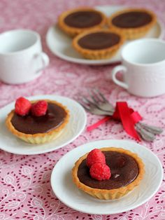 The Little Teochew: (Pierre Hermé) Warm Chocolate & Raspberry Tart