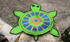 street art - new disguise for a manhole cover. Rock your pavement and your street with some street art. Graffiti Art, Graffiti Tagging, Street Art Graffiti, Street Art News, Street Artists, Banksy, Sidewalk Chalk Art, Amazing Street Art, Batman Robin