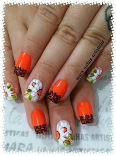 What Christmas manicure to choose for a festive mood - My Nails Heart Nail Art, Heart Nails, Colorful Nail Designs, Nail Art Designs, Sunflower Nail Art, Christmas Manicure, What Is Christmas, Stamping Plates, Nail Decorations