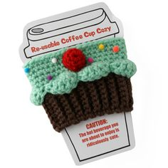 Cupcake Coffee Cozy - All Things Cupcake. Twinkie Chan makes the cutest things. Crochet Coffee Cozy, Coffee Cup Cozy, Crochet Cozy, Crochet Gifts, Cute Crochet, Crochet Yarn, Coffee To Go Becher, Coffee Cup Sleeves, Crochet Kitchen