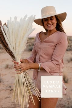 Luxe B Pampas Grass is these days the main on-line market for Pampas Grass.We supply a big number of Pampas varieties in herbal color, bleach white, purple and different captivating colours. We're recognized for high quality handpacked pampas this is delivered instantly for your door. Best for your house decor, any tournament particularly boho wedding ceremony decor. Recently we send any place in america and Canada. @luxebpampasgrasswww.luxebpampasgrass.com#pampasgrass #driedpampasgrass #driedflowers #bohowedding