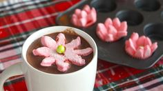 Blooming Poinsettia Flower Marshmallows | RECIPE