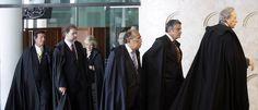 Ultimamente os Brasileiros vem assistindo, alguns dos seus Ministros rasgando a Carta Maior por compromissos ligados a sua própria n...