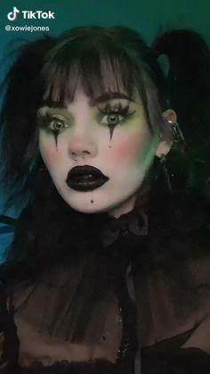 Edgy Makeup, Gothic Makeup, Fantasy Makeup, Clown Makeup Tutorial, Smokey Eye Makeup Tutorial, Amazing Halloween Makeup, Halloween Doll Makeup, Cosplay Makeup, Aesthetic Makeup