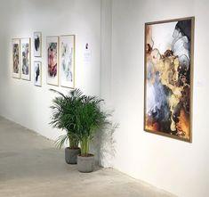 Et glimt fra kunstutstillingen på Solsiden Senter i Trondheim med Linda Skaret. Abstract Art, Photo Wall, Gallery Wall, Bloom, Ink, Art Prints, Frame, Artist, Painting