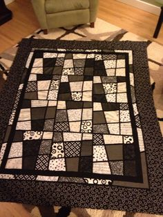 Modern Magic Tiles Quilt in black and white
