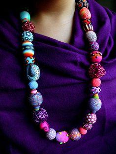 Collar de Arcilla Polimérica Totum Revolutum - Silvia-Ortiz-de-la-Torre - Collares medianos