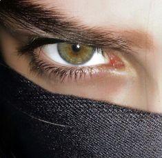 Beautiful Eyes Color, Pretty Eyes, Cool Eyes, Photo Oeil, Aesthetic Eyes, Male Eyes, Eye Photography, Eye Art, Eye Color