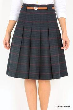 Pleated midi skirt by Emka Fashion Blouse And Skirt, Dress Skirt, Midi Skirt, Tartan Clothing, Casual Dresses, Fashion Dresses, Outing Outfit, Skirt Patterns Sewing, Work Fashion