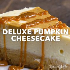 Deluxe Pumpkin Cheesecake - Recipe Videos - Eat or Not Foods Thanksgiving Desserts, Fall Desserts, Just Desserts, Delicious Desserts, Pumpkin Cheesecake Recipes, Pumpkin Recipes, Cheesecake Brownies, Brownie Trifle, Butter Pecan Cheesecake Recipe