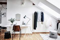estilo nórdico espacio diáfano dormitorio en el ático diseño interiores diseño aticos decoracion dormitorios decoración áticos blog decoración nórdica