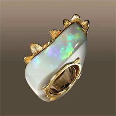 Aqa Yellow Gold and Opal Ring (=)