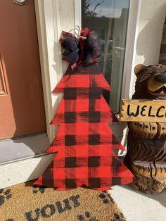 Christmas Porch, Plaid Christmas, Christmas Wreaths, Christmas Decorations, Holiday Decor, Halloween Door Hangers, Fall Door Hangers, Door Hanger Template, Pumpkin Door Hanger