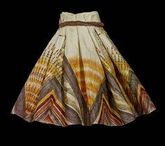 Popular This stunning skirt made from Hawaiian kapa barkcloth encapsulates the enthusiasm for the art