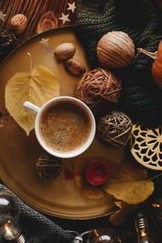 Untitled Coffee Milk, Coffee And Books, Coffee Love, Autumn Inspiration, Food Inspiration, Momento Cafe, Fall Drinks, Autumn Aesthetic, Autumn Cozy