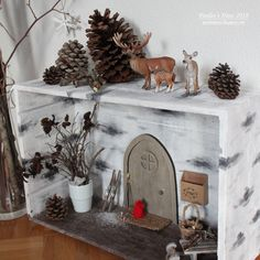 All Details You Need to Know About Home Decoration - Modern Handprint Christmas Tree, Pine Cone Christmas Tree, Simple Christmas, Christmas Crafts, Christmas Decorations, Crafts To Do, Yarn Crafts, Sewing Crafts, Diy Crafts