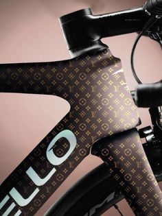 As a beginner mountain cyclist, it is quite natural for you to get a bit overloaded with all the mtb devices that you see in a bike shop or shop. There are numerous types of mountain bike accessori… Bicycle Paint Job, Bicycle Painting, Road Bikes, Cycling Bikes, Bicycle Design, Bicycle Art, Power Bike, Bike Kit, Road Bike Women