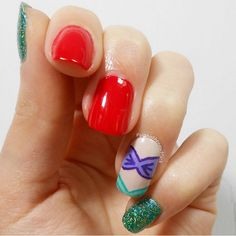 "Feeling a little ""under the sea""? Try this mermaid-inspired mani. It's Ariel approved. - GoodHousekeeping.com"